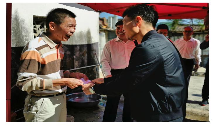 188体育网站:組織黨員幹部陸豐開展新一輪精準扶貧暨主題黨日活動